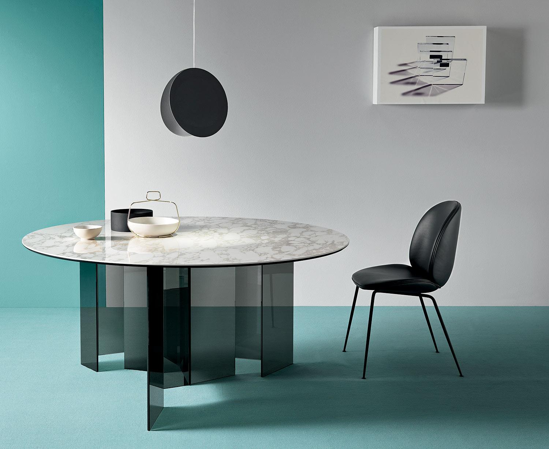 8 Idee per Scegliere il Tavolo Perfetto per Voi!