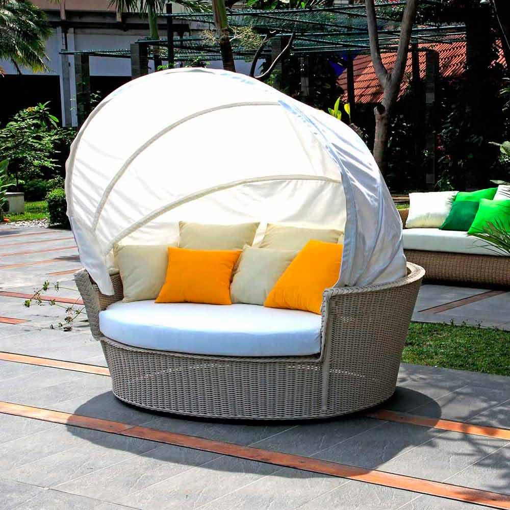 Divano isola relax a forma di cesto con intreccio fatto a for Divano a isola