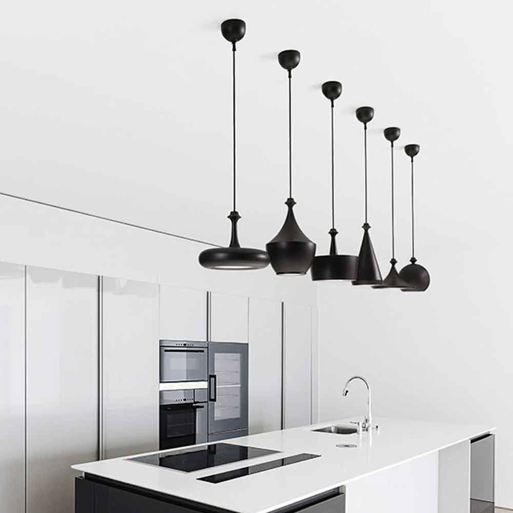 Lampada a sospensione in ceramica gli illustri 3 di aldo bernardi - Lampadari da cucina artemide ...