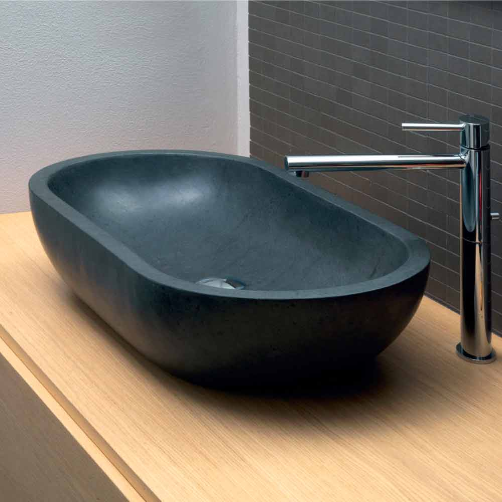lavabo da appoggio ovale in basalto nero per bagno riau. Black Bedroom Furniture Sets. Home Design Ideas