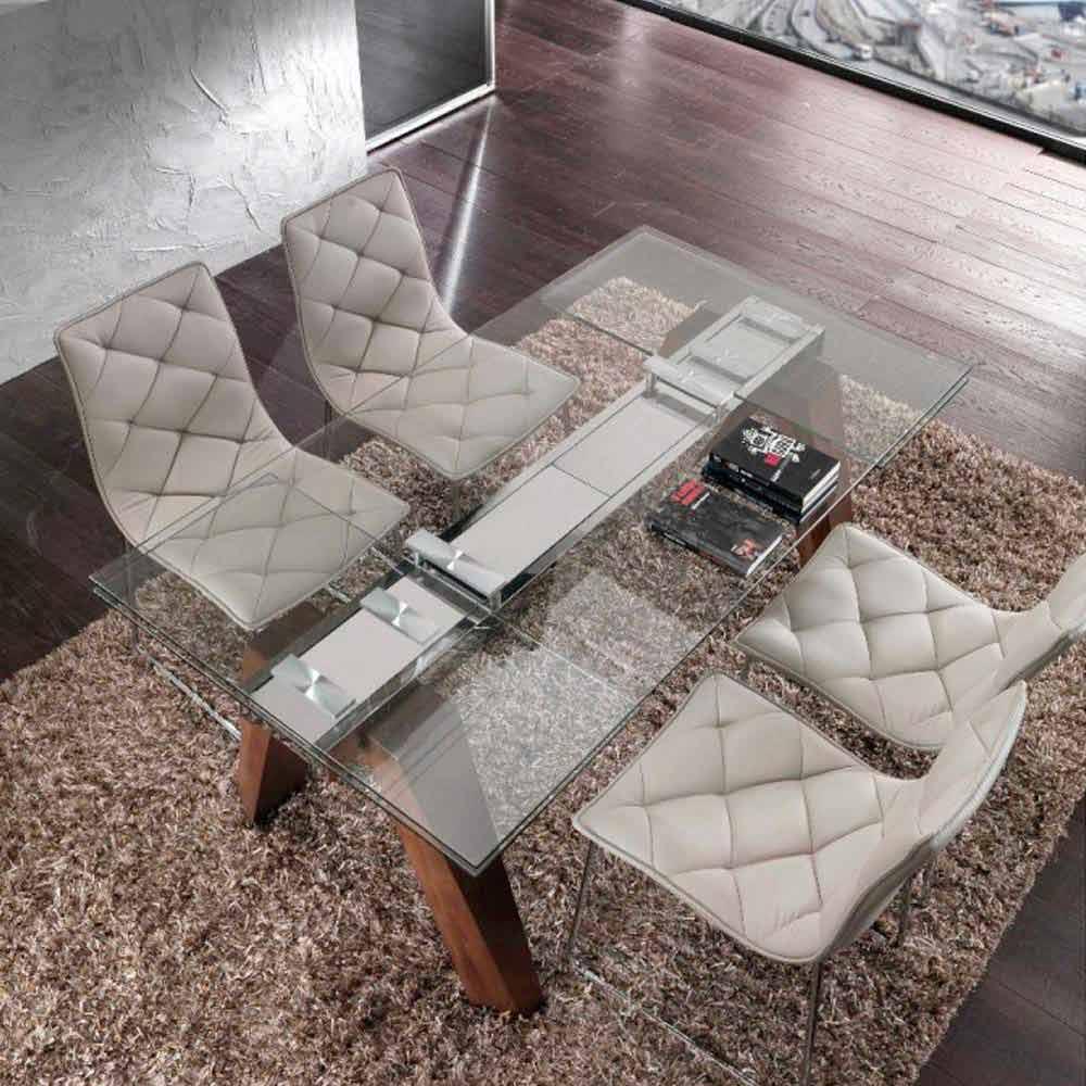 Tavolo allungabile in legno massello e vetro temperato chad for Tavolo ovale allungabile legno massello