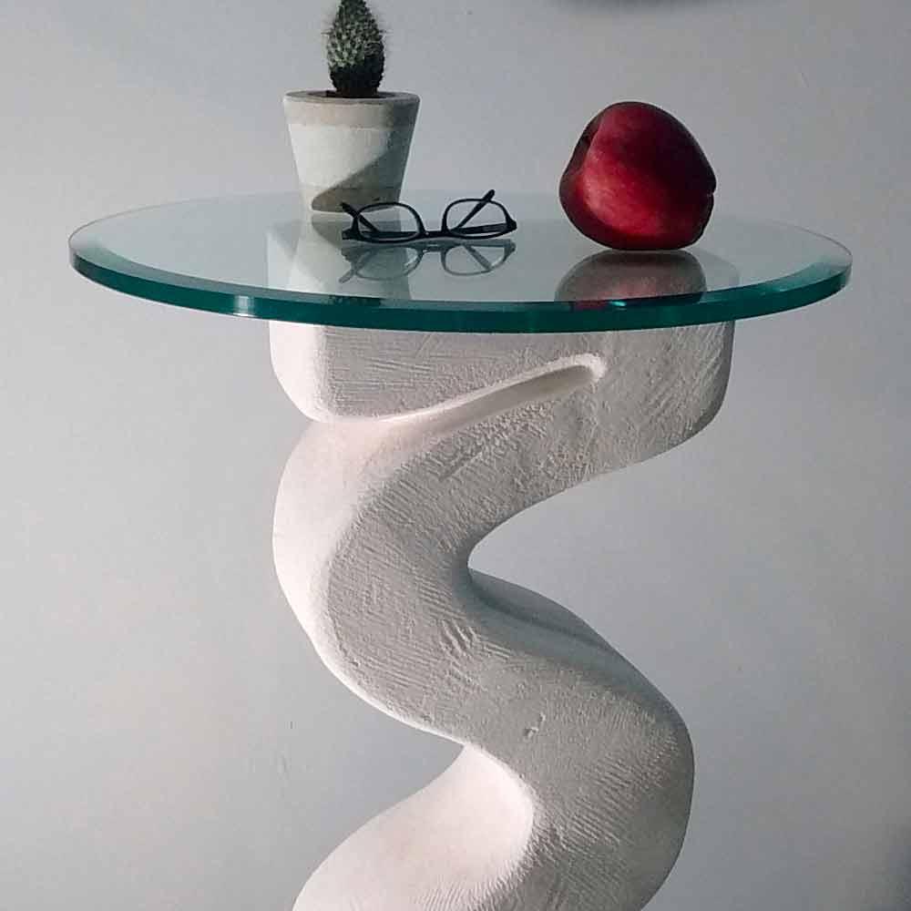 Tavolo consolle tondo in pietra di vicenza scolpita a mano for Tavolo consolle di design