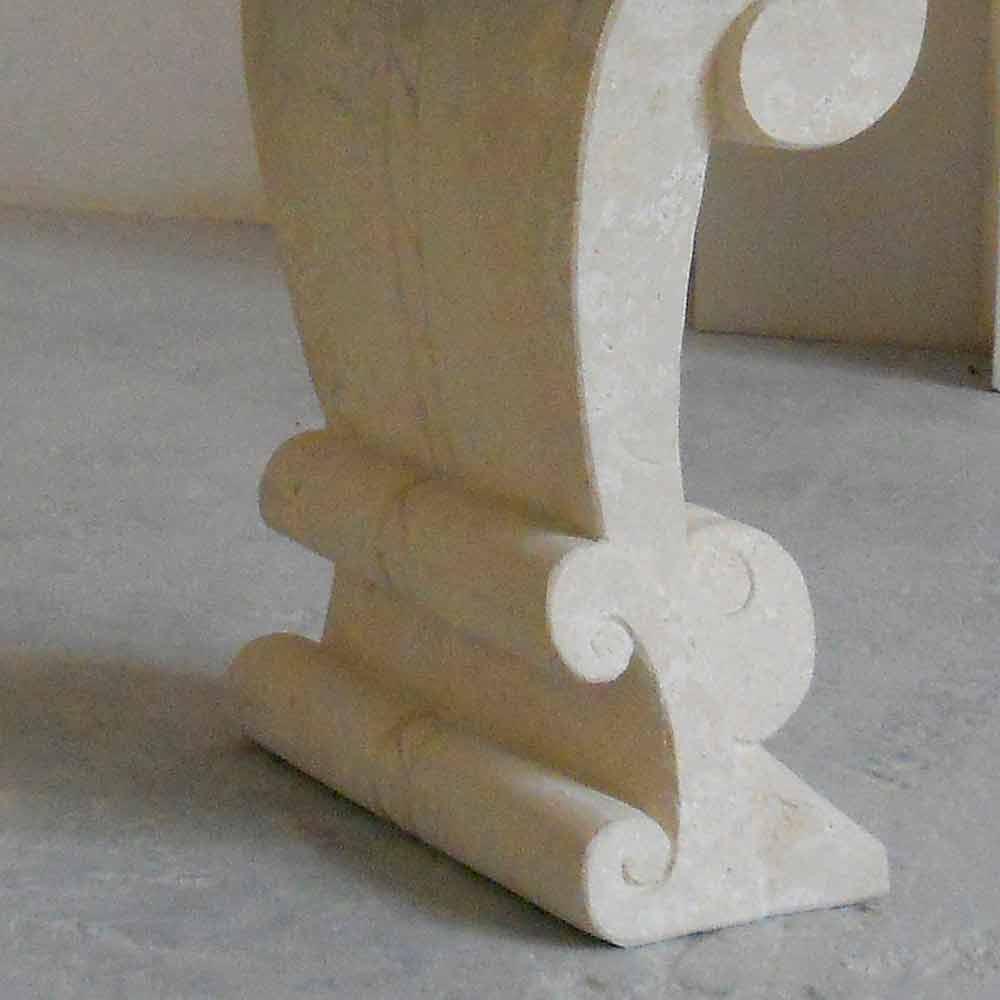 Tavolo ovale scolpito a mano in Pietra di Vicenza e cristallo Aracne