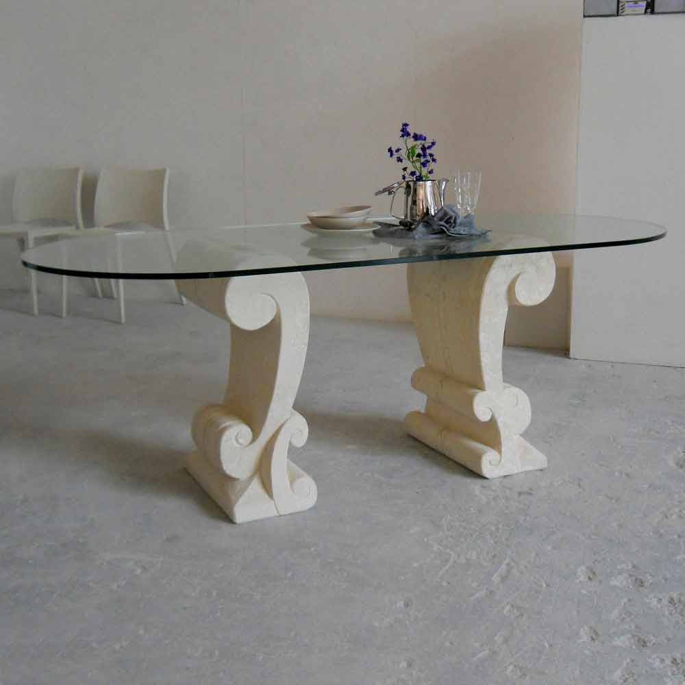 Tavolo ovale scolpito a mano in pietra di vicenza e cristallo aracne - Tavolo pranzo cristallo ...