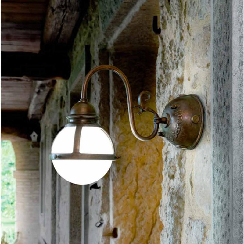 Applique Cimosa in ottone anticato e vetro soffiato bianco