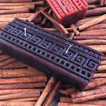 Candela Artigianale Profumata alla Cannella Rettangolare Made in Italy - Alissa