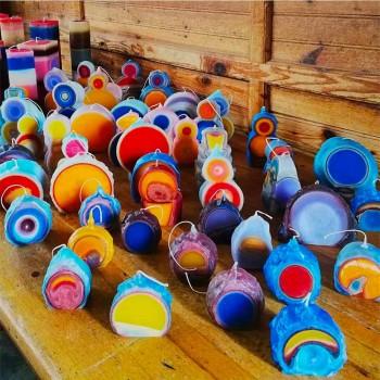 Composizione di 3 Candele Colorate in Cera, Pezzi Unici, Made in Italy - Dela