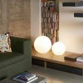 Lampada a sfera moderna da terra/tavolo Slide Globo, fatta in Italia