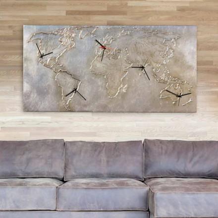 Orologio moderno con cinque quadranti raffigurante il mondo Miles