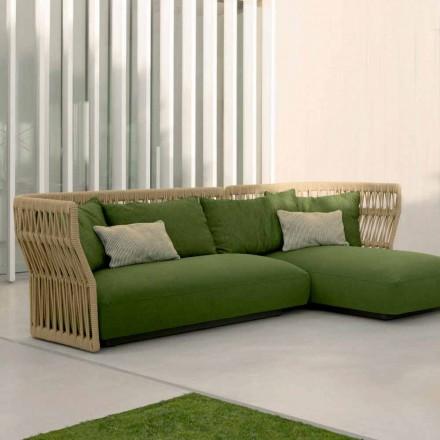 Salotto da esterno con divano e tavolini Cliff Talenti, design Palomba
