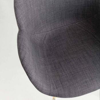 Sedia imbottita in massello di faggio con braccioli Yucca
