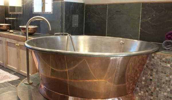 Vasca Da Bagno Freestanding Rotonda : Vasca freestanding rotonda in rame placcata in ferro bianco vanessa